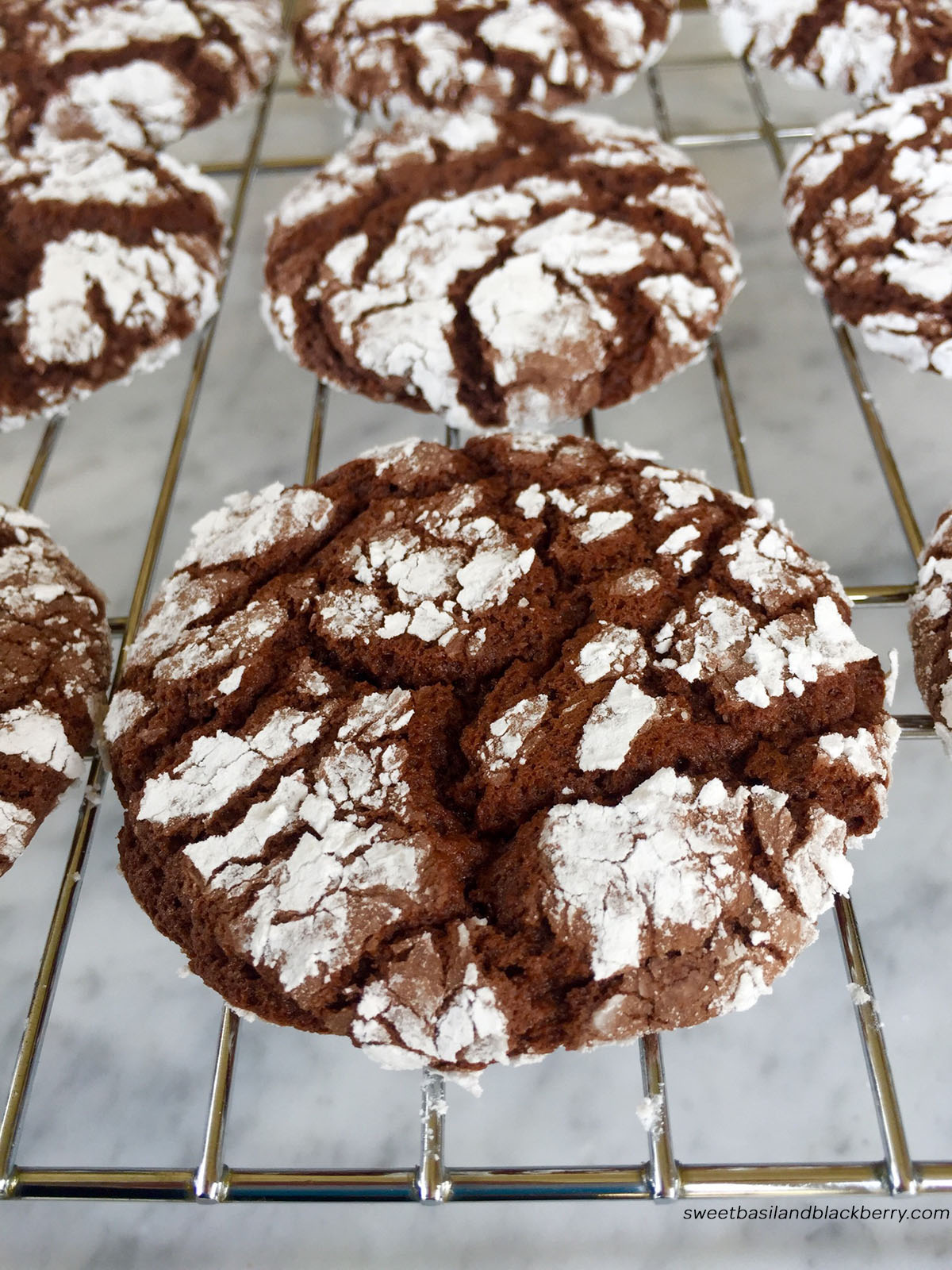 Chocolate crinkles1